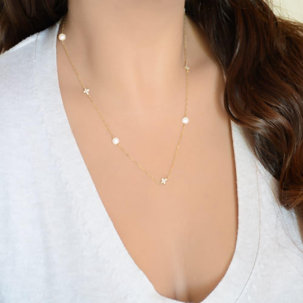 Κολιέ με μαργαριτάρια και σταυρουδάκια - Kosmimatothiki 68666707c50