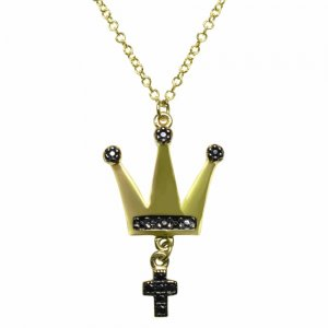Κολιέ στέμμα από χρυσό 14Κ με κρεμαστό σταυρουδάκι. Είναι διακοσμημένο με μαύρα ζιργκόν.