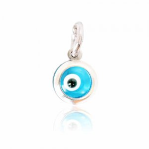 Μενταγιόν λευκόχρυσο ματάκι μεσαίο σε 14Κ, με υπέροχο μπλε χρώμα. Διακριτικό κόσμημα που φοριέται μόνο του ή συνδυαστικά.