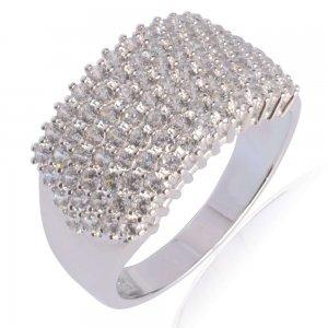 Δαχτυλίδι ολόπετρο λευκόχρυσο 14Κ σε πλακέ σχέδιο. Έχει φαρδιά επιφάνεια, διακοσμημένη ολόκληρη με λευκά ζιργκόν.