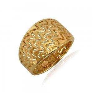 Δαχτυλίδι ζικ-ζακ από χρυσό 14Κ με ανάγλυφο διάτρητο σχέδιο και λουστρέ φινίρισμα.