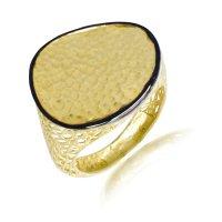 Δαχτυλίδι γυναικείο δίσκος από χρυσό 14Κ σε μοντέρνο σχέδιο με ανάγλυφη επιφάνεια και μαύρο φινίρισμα στην περίμετρο. Η γάμπα αποτελείται από διάτρητο πλέγμα.