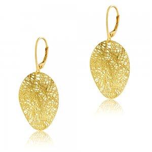 Χρυσά σκουλαρίκια κρεμαστά 14Κ, σε εντυπωσιακό σχέδιο. Έχουν οβάλ επιφάνεια κυματιστή, δημιουργημένη με διάτρητο πλέγμα αποτελούμενο από ακανόνιστες γραμμές.