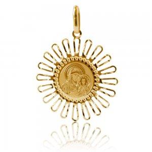 Χρυσό φυλακτό 14Κ σε μοναδικό σχέδιο. Έχει χαραγμένη απεικόνιση της Παναγίας Βρεφοκρατούσας και διάτρητο περίγραμμα με ακτίνες. Συνδυάστε το με αλυσίδα για τον λαιμό ή παιδική παραμάνα.