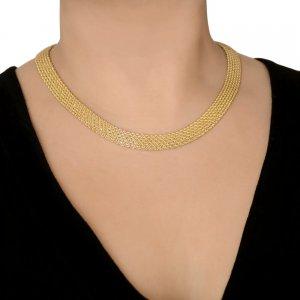 Σετ κολιέ και βραχιόλι σε πλεκτό σχέδιο από χρυσό 14Κ. Αποτελείται από κολιέ και βραχιόλι με φαρδιά επιφάνεια με πυκνή πλέξη σε λαμπερό λουστρέ φινίρισμα.