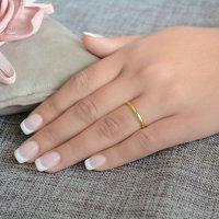Κλασικές βέρες γάμου, από χρυσό 14Κ, με καμπυλωτή επιφάνεια 2.2 mm σε λουστρέ λαμπερό φινίρισμα. Η αρχική τιμή αναφέρεται σε μία βέρα Νο 10 και μεταβάλλεται ανάλογα με το νούμερό σας.