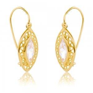 Γυναικεία σκουλαρίκια κρεμαστά από χρυσό 14Κ σε μακρόστενο σχέδιο . Έχουν διάτρητο περίγραμμα σε λουστρέ φινίρισμα και μία λευκή πέτρα ζιρκόν στο κέντρο.