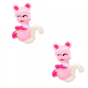 Σκουλαρίκια παιδικά ροζ γατάκια ασημένια 925, επιπλατινωμένα, σε καρφωτό σχέδιο. Είναι διακοσμημένα με σμάλτο σε ροζ αποχρώσεις και λαμπερές λεπτομέρειες.