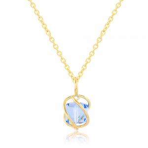 Χειροποίητο κόσμημα κολιέ από ασήμι 925, επιχρυσωμένο. Μία εντυπωσιακή γαλάζια πέτρα ζιργκόν περικλείεται σε χειροποίητο περίτεχνο δέσιμο.